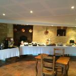 Salle du petit déjeuner ambiance agréable et conviviale