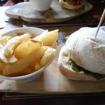 6oz ground steak burger with chips