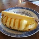Boeuf sauté et Shop suy, poulet à la thaïlandaise avec riz cantonnais. Beignets aux pommes flamb