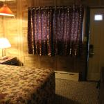 Passport Inn, Utica NY - Room