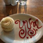 Cretia's Vanilla Cupcake with Buttercream Icing