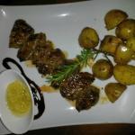 Lammspieß mit Rosmarinkartoffeln
