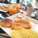 J'adore venir prendre mon petit déjeuner ici environ 3,50€ pour le déjeuner marocain, il y as ég