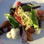 Genieten aan het IJsselmeer. Prachtige plek en je kunt er heerlijk eten!! Super bediening en een