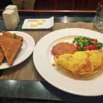 Veggie Omelet w/ Toast, Asparagus & Tomatos