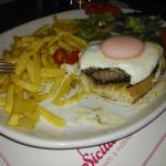 Hambúrguer a siciliano. O melhor de sempre...
