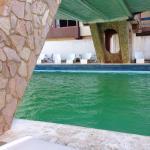 Malo malo malo piscina verde, habitaciones con un terrible ataque de humedad, servicio de desayu