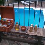 masajes junto a la piscina
