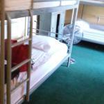 1층 여성 전용 6인실 방