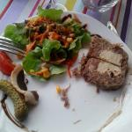 Terrine de jarret de boeuf au foie gras (assiette entamée)