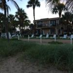 Foto de High Noon Beach Resort