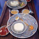 Así quedaron los platos de nuestra primera comida en Marrakech, vinimos por los comentarios y no