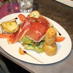 Salade du berger avec sucette de reblochon