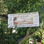Captain George Family Tavern Foto