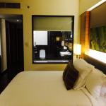 Double room 1438 with huge bathroom (bathtub and walking-thru shower)..