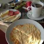 breakfast (free)