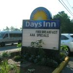 Days Inn Bar Harbor Sign