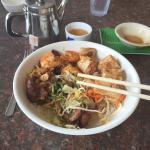 Van LOI Restaurant
