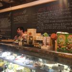 The Village Gourmet Cheese Shop Foto