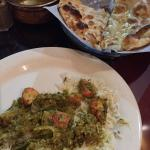 Naan and Karahai Tandoori Chicken Sag