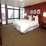 Lowell Avenue Unit MLSHIDROOMbedroom