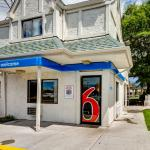 Photo de Motel 6 Denver West Wheat Ridge-North