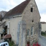 la chapelle de l'extérieur côté parking