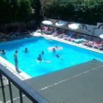 Pool aus Sicht vom oberen Speißesaal.