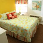 Newly Updated Charming Garden View Cottages 1 and 2 with New Queen Bed