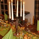 Herbstlich gedeckter Tisch in der Remise