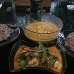 Massaman curry VS green curry
