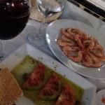 Gamba cocida, tomates aliñados y bacalao A3