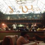 Un lugar único por su deliciosa comida  y música inigualable. Los mejores cortes, vinos y postre