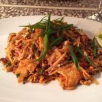 Delicious Chicken Pad Thai