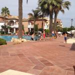 Habitación y piscina