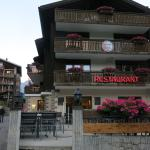 front of hotel that faces the Matterhorn