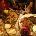 Burger végétarien et brochettes de magret de canard