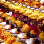 Una delle pasticcerie migliori della Versilia. Da provare il bombolone al forno con crema chanti