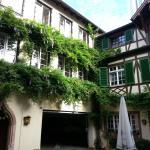 Hotel Sonne Innenhof (bei Schönwetter Frühstücksterrasse)