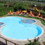 Blick auf den Outdoor-Pool