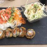 Bento chirashi, salade de chou et folie hot rolls