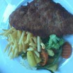 Wienerschnitzel mit Gemüse (Kalbfleisch)