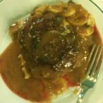 Pratos bem servidos. Pedimos carne bem passada.