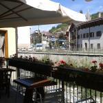 terrasse au bor de la riviere