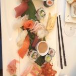 Einmal die Fischsuppe und einmal das geniale Sushi! Top!!