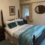 Room 4 double bed