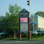 Tanger Outlets Westbrook