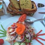 Pane all'aglio & insalata di polipo