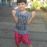 meu sobrinho próximo ao hotel.