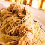 Spaghetti al Pesto con Camarones